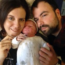 Robin, segundo hijo de Eduardo Mira (XXV) nació el 23 de abril.
